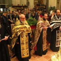 Традиция служения великопостных вечерен в воскресные дни настоятелями православных приходов Милана
