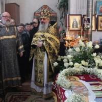Богослужения Великого Пятка на Свято-Амвросиевском приходе