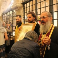 После акафиста на мощах св. Николая
